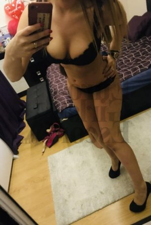 Pryscilla escort girl in Bismarck