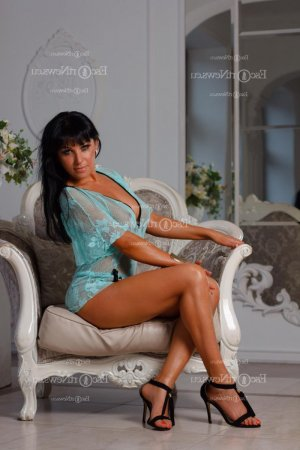Liviana nuru massage and live escorts